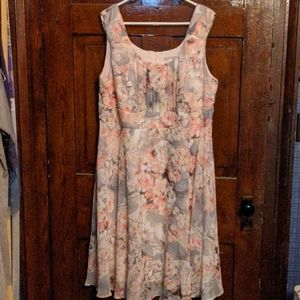 Sleeveless light dress